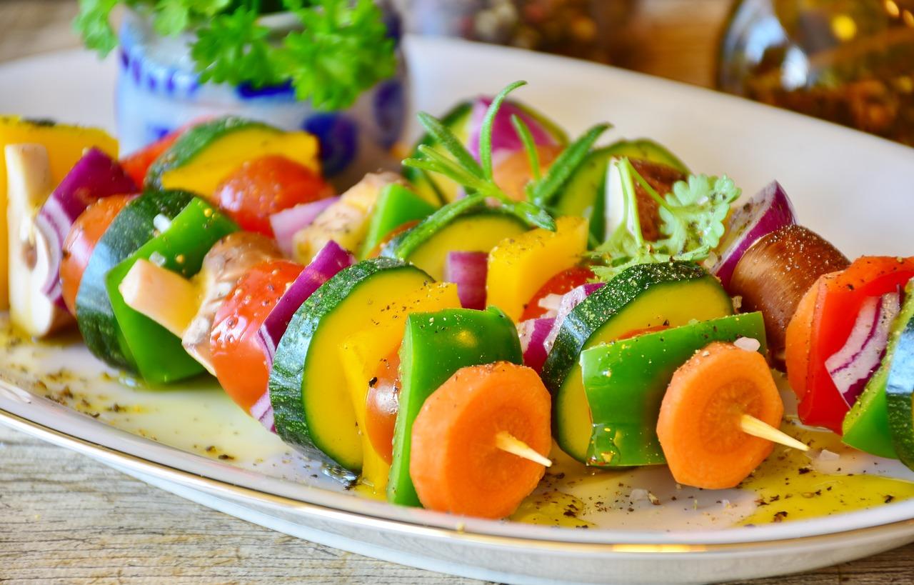 Comment dénicher des plats cuisinés sains et équilibrés?