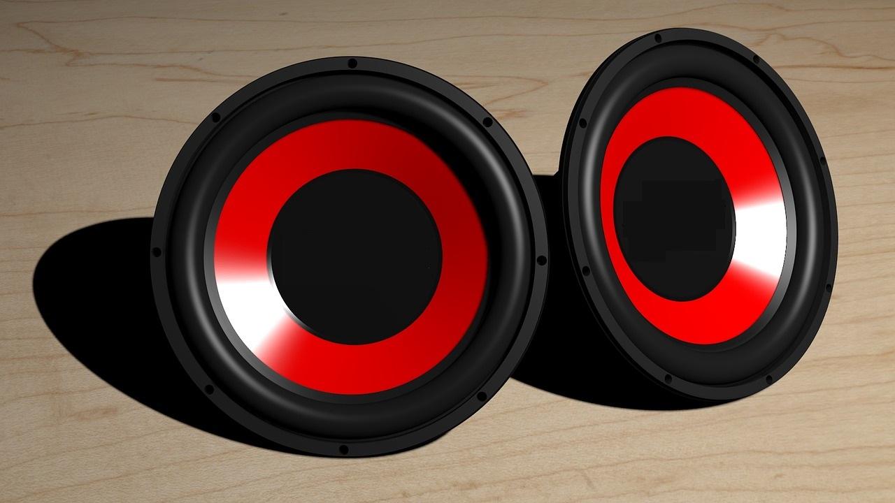 Quels accessoires pour obtenir un super son dans sa voiture?